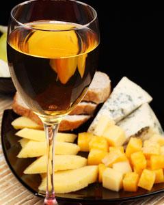 с чем подают белое вино