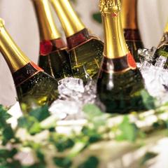 шампанское - атрибут праздника
