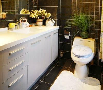 декор ванной цветами