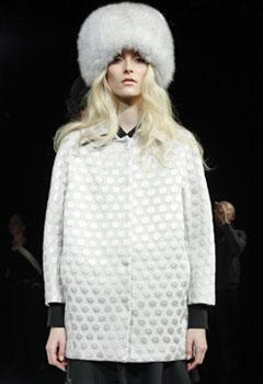 модная меховая шапка 2011-2012