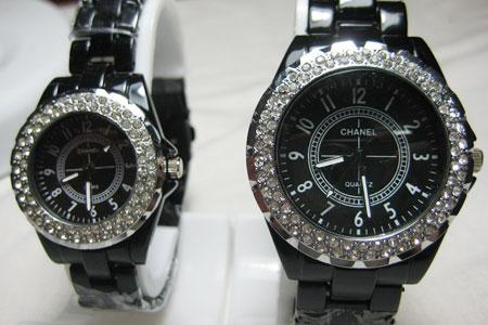 парные наручные часы Chanel