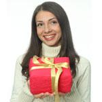 Наш опрос: Какие новогодние подарки мечтают получить женщины