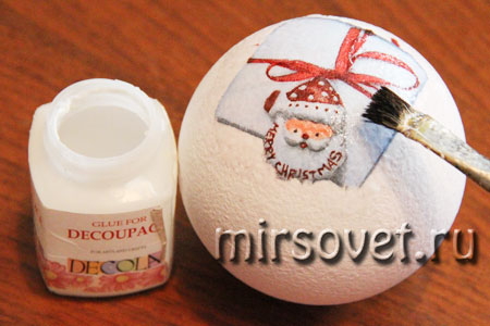 новогодний декупаж елочного шарика мастер класс фото 5