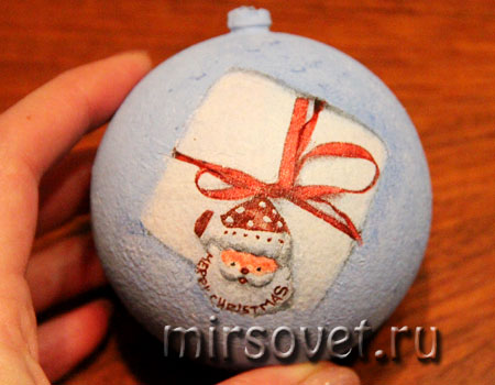 новогодний декупаж елочного шарика мастер класс фото 8