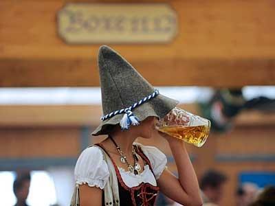 исландцы празднуют день пива