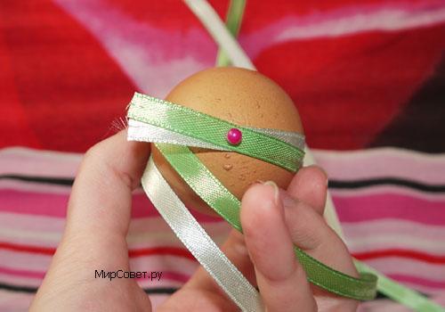 пасхальное яйцо из атласных лент шаг 1