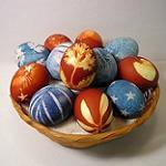 Как нужно красить яйца на Пасху