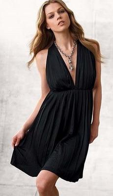 современное маленькое черное платье