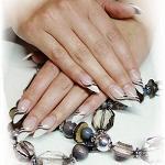 Способы наращивания ногтей, их достоинства и недостатки