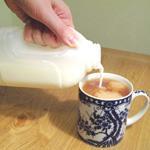 Чай с молоком: вред или польза