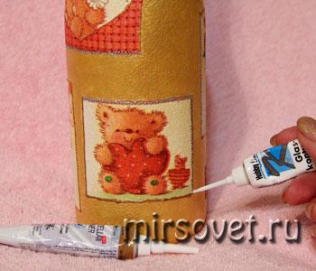 обработка изображений контуром в декупаже на бутылке