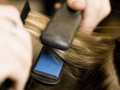 выпрямить волосы утюжком