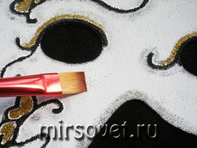 завершающие штрихи декорирования маски