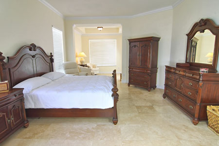 мраморный пол в спальне