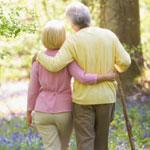 Перелом шейки бедра в пожилом возрасте: виды и симптомы травмы
