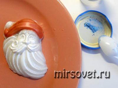 застывшее сувенирное мыло с пигментом для раскрашивания
