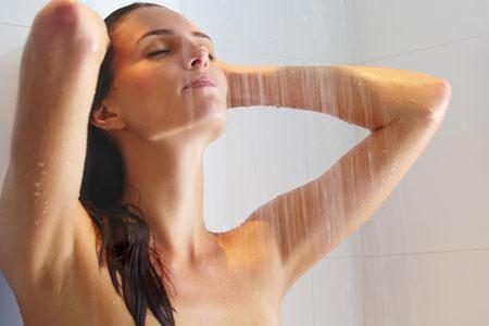 массаж груди душем
