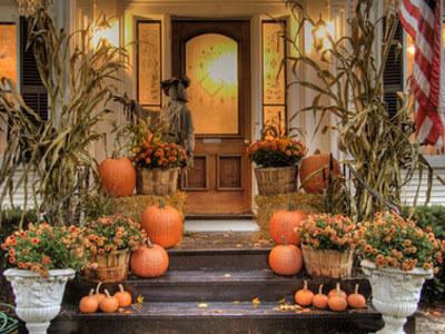 декор дома для празднования Хэллоуина