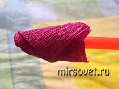 формируем цветочки из бумаги для топиария