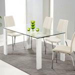 Стеклянный обеденный стол: разнообразие форм и решений