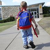 Почему ребенок убегает из дома и что предпринять в этой ситуации