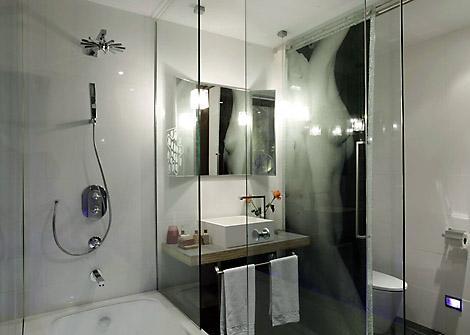 дизайн ванной комнаты в стиле хай тек