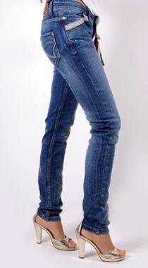женские джинсы весны 2011